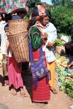 to Jpeg 90K Silver Palaung woman at the rotating five day market in Kalaw, southwestern Shan State