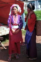 to Jpeg 60K Silver Palaung woman at Kalaw market, Shan State