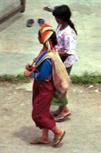 to Jpeg 74K Silver Palaung woman coming away from the market in Kalaw. Note her traditional woven bag for produce
