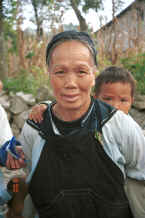 Jpeg 25K Bouyei grandmother and grandson - Bi Ke village, Mi Gu township, Zhenfeng county, Guizhou province 0010s23.jpg