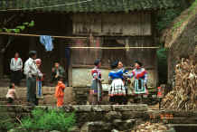 Jpeg 46K Miao women waiting to welcome us to the village - Chang Tion village, Cheng Guan township, Puding county, Guizhou province 0010w06.jpg