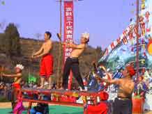 to Jpeg 54K Festival in Songtao Miao Autonomous County, Tongren Prefecture, Eastern Guizhou Province, 29 January, 2004.