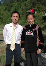 to 64K Jpg image The groom, Tony, with his elder sister who returned to the village for his wedding.