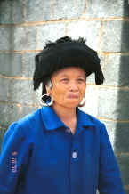 Jpeg 26K Middle aged Black Miao in her working everyday clothes, Zuo Qi village, Min Gu township, Zhenfeng county, Guizhou province 0010q12.jpg