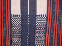 to Jpeg 55K Detail of a Bontoc woven textile from the highlands of Northern Luzon, Philippines