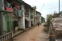 to Jpeg 28K One of the streets of Sa Pa, Lao Cai Province 9510H32.JPG