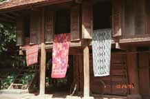 to 18K photo gallery of Thai weaving village  Ban Lac, Mai Chau district, Hoa Binh (Ha So'n Binh) Province 9510A18T